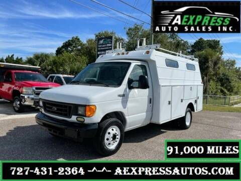 2005 Ford E-Series Chassis for sale at A EXPRESS AUTO SALES INC in Tarpon Springs FL
