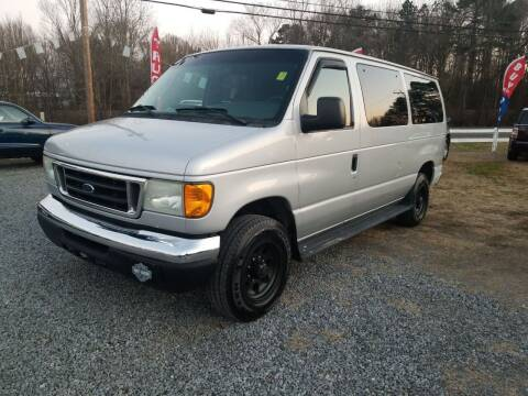 2005 Ford E-Series Wagon for sale at TR MOTORS in Gastonia NC