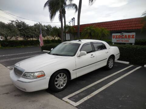 2007 Lincoln Town Car for sale at Uzdcarz Inc. in Pompano Beach FL
