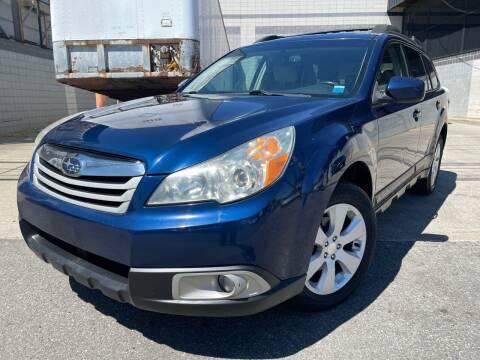 2011 Subaru Outback for sale at Illinois Auto Sales in Paterson NJ