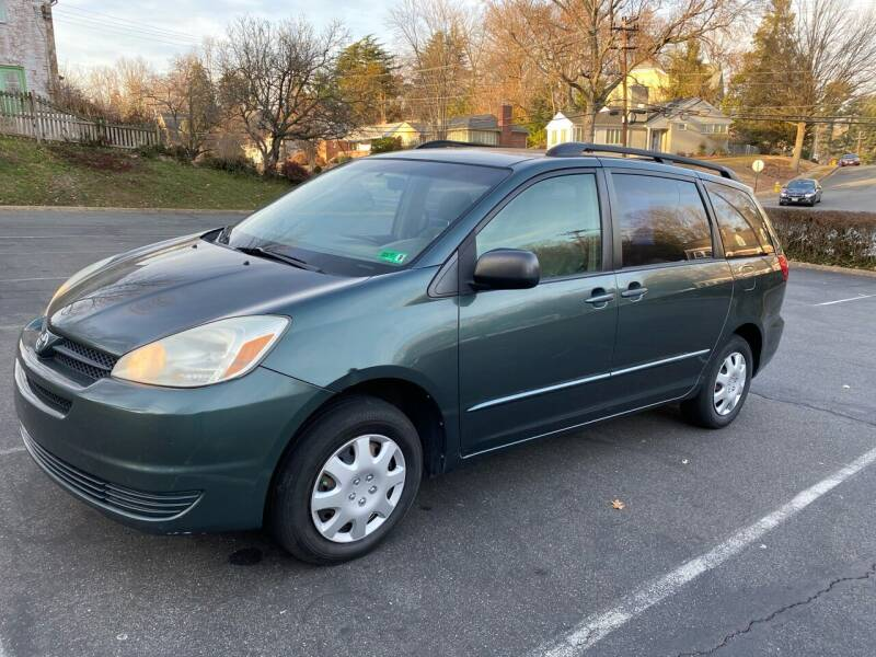 2004 Toyota Sienna for sale at Car World Inc in Arlington VA