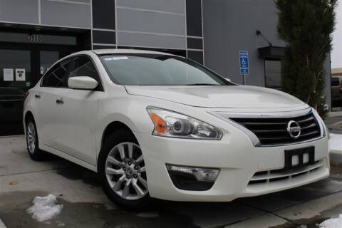 2013 Nissan Altima for sale at UNITED AUTO in Millcreek UT