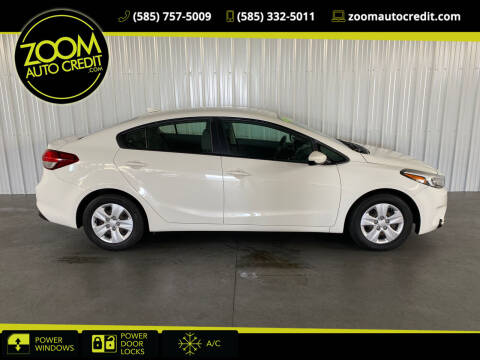 2017 Kia Forte for sale at ZoomAutoCredit.com in Elba NY