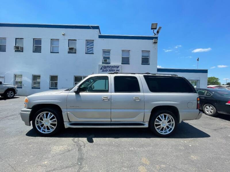 2004 GMC Yukon XL for sale at Lightning Auto Sales in Springfield IL