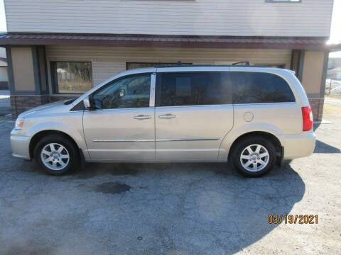 2013 Chrysler Town and Country for sale at Settle Auto Sales TAYLOR ST. in Fort Wayne IN