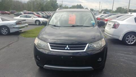 2007 Mitsubishi Outlander for sale at Pool Auto Sales Inc in Spencerport NY