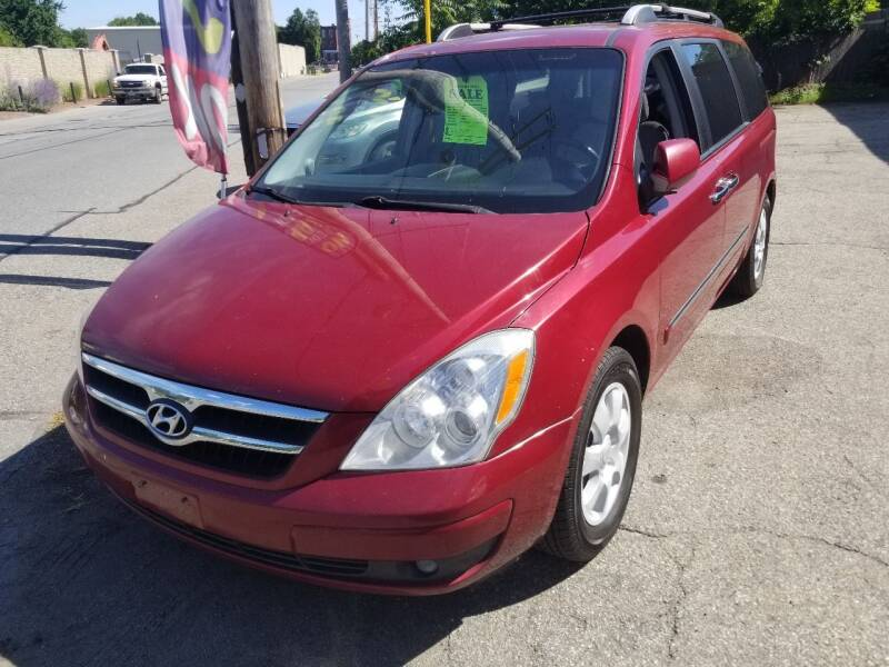 2007 Hyundai Entourage for sale at Howe's Auto Sales in Lowell MA