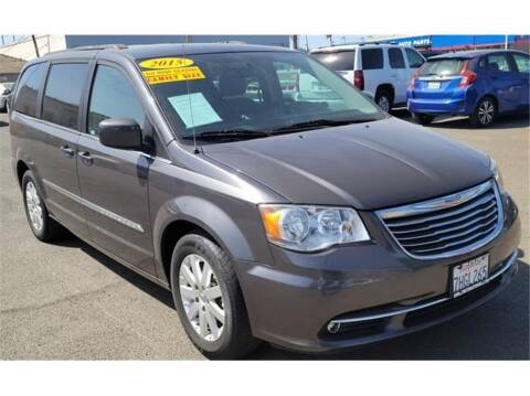 2015 Chrysler Town and Country for sale at ATWATER AUTO WORLD in Atwater CA