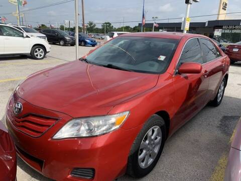 2011 Toyota Camry for sale at The Kar Store in Arlington TX