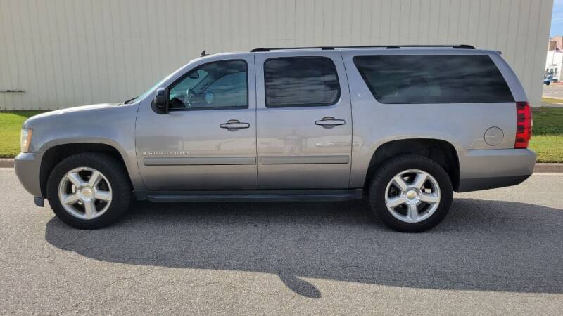 2007 Chevrolet Suburban for sale at TNK Autos in Inman KS