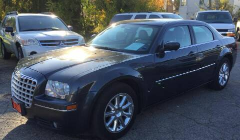 2007 Chrysler 300 for sale at Knowlton Motors, Inc. in Freeport IL