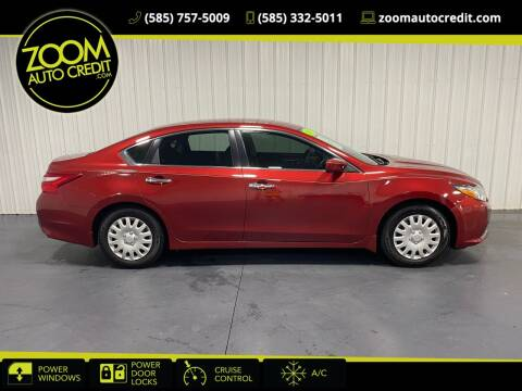 2017 Nissan Altima for sale at ZoomAutoCredit.com in Elba NY