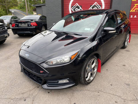 2015 Ford Focus for sale at Apple Auto Sales Inc in Camillus NY