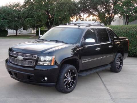 2011 Chevrolet Avalanche for sale at Auto Starlight in Dallas TX