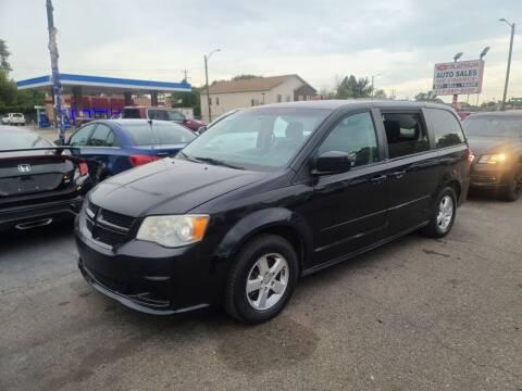 2013 Dodge Grand Caravan for sale at PLATINUM AUTO SALES in Dearborn MI