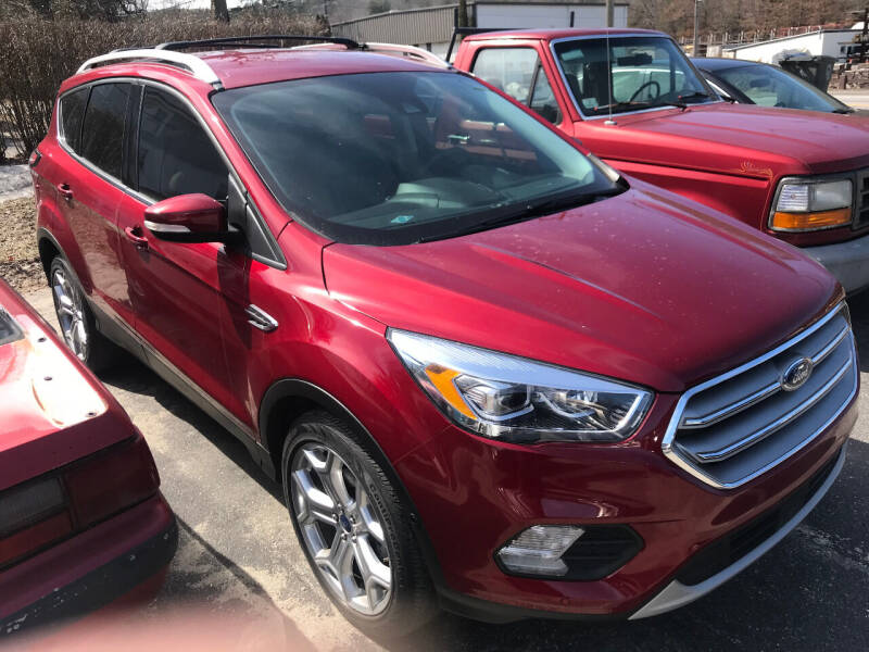 2017 Ford Escape for sale at SOUTH VALLEY AUTO in Torrington CT