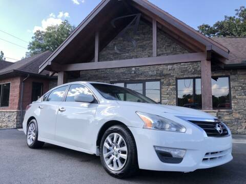 2015 Nissan Altima for sale at Auto Solutions in Maryville TN