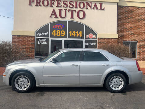 2006 Chrysler 300 for sale at Professional Auto Sales & Service in Fort Wayne IN