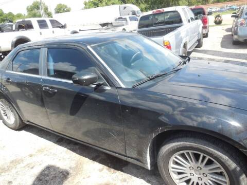 2009 Chrysler 300 for sale at SCOTT HARRISON MOTOR CO in Houston TX