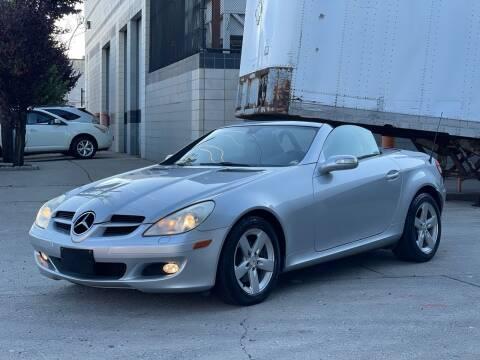 2006 Mercedes-Benz SLK for sale at Illinois Auto Sales in Paterson NJ