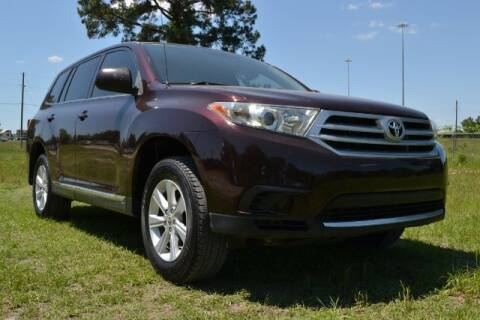 2011 Toyota Highlander for sale at WOODLAKE MOTORS in Conroe TX