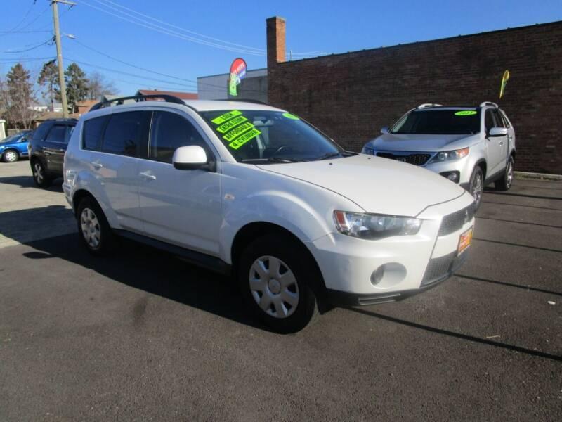 2011 Mitsubishi Outlander for sale at RON'S AUTO SALES INC in Cicero IL