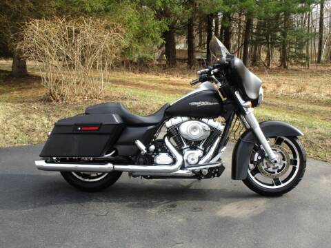 2013 Harley-Davidson Street Glide for sale at R & R AUTO SALES in Poughkeepsie NY