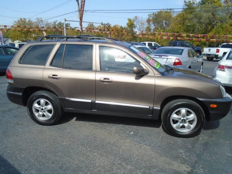 2005 Hyundai Santa Fe for sale at River City Auto Sales in Cottage Hills IL