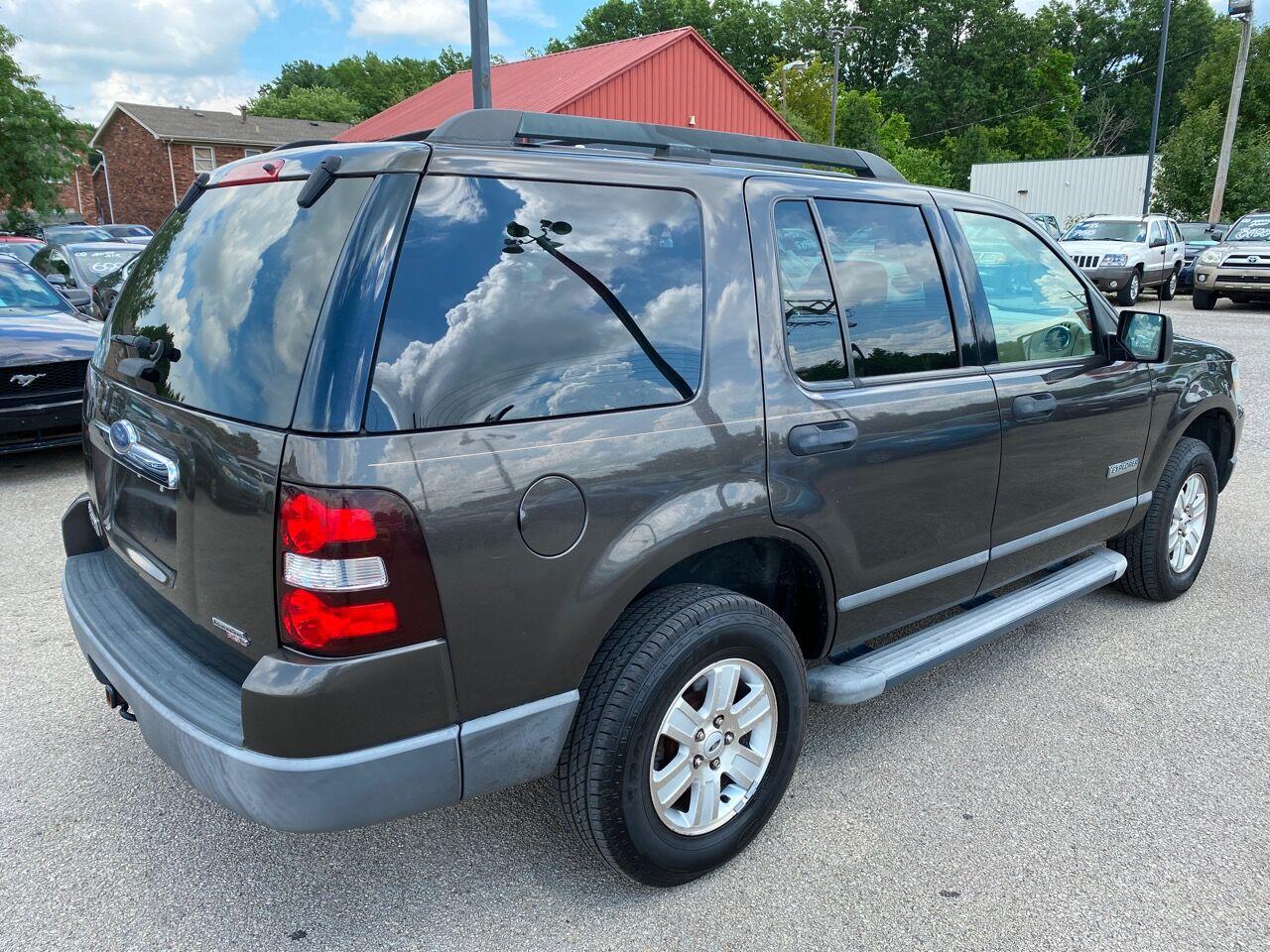 2006 Ford Explorer XLS photo
