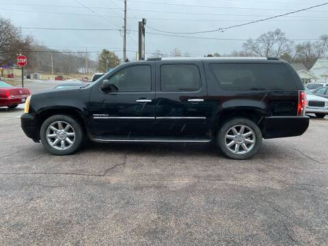 2011 GMC Yukon XL for sale at RIVERSIDE AUTO SALES in Sioux City IA
