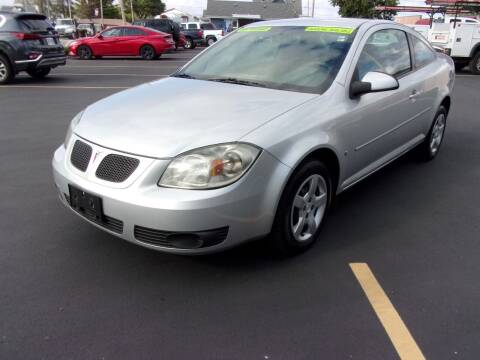 2009 Pontiac G5 for sale at Ideal Auto Sales, Inc. in Waukesha WI
