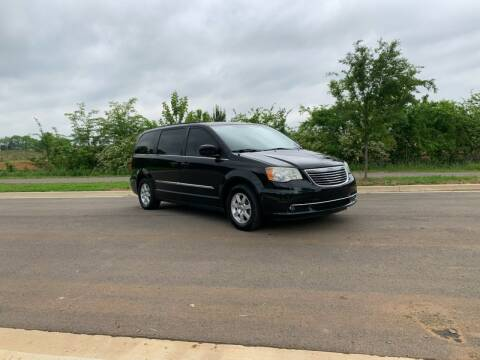 2012 Chrysler Town and Country for sale at Tennessee Valley Wholesale Autos LLC in Huntsville AL