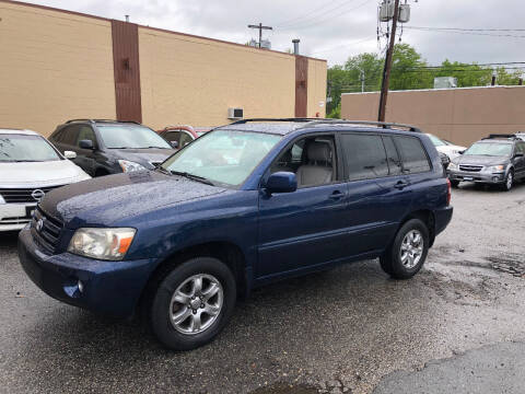 2006 Toyota Highlander for sale at Matrone and Son Auto in Tallman NY