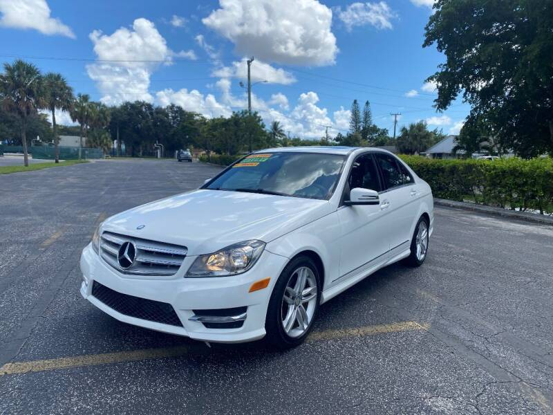2013 Mercedes-Benz C-Class for sale at Lamberti Auto Collection in Plantation FL