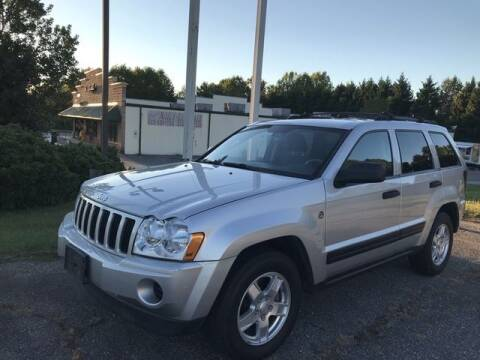 2006 Jeep Grand Cherokee for sale at Deluxe Auto Group Inc in Conover NC