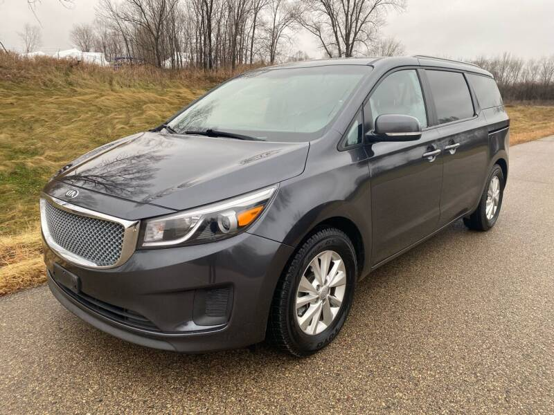 2015 Kia Sedona for sale at RUS Auto LLC in Shakopee MN
