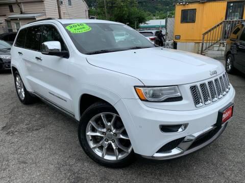 2016 Jeep Grand Cherokee for sale at Auto Universe Inc. in Paterson NJ
