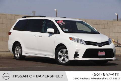 2018 Toyota Sienna for sale at Nissan of Bakersfield in Bakersfield CA