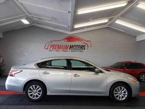 2013 Nissan Altima for sale at Premium Motors in Villa Park IL