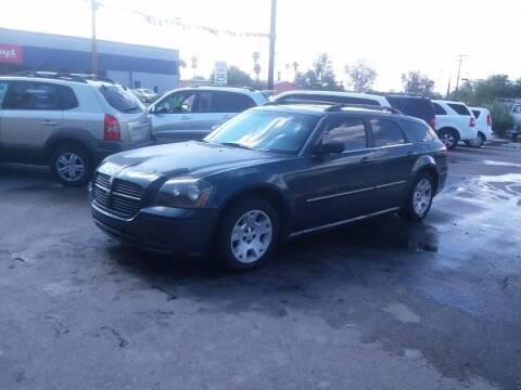 2007 Dodge Magnum for sale at PARS AUTO SALES in Tucson AZ