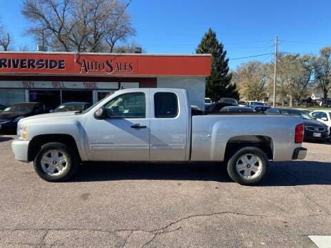 2011 Chevrolet Silverado 1500 for sale at RIVERSIDE AUTO SALES in Sioux City IA