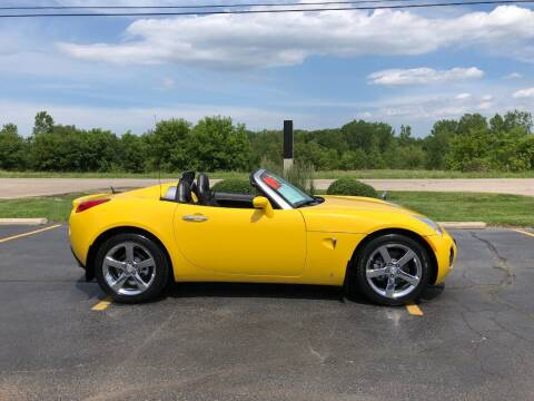 2009 Pontiac Solstice for sale at Fox Valley Motorworks in Lake In The Hills IL