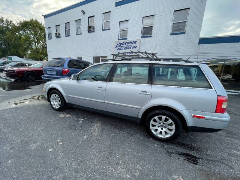 2002 Volkswagen Passat for sale at Lightning Auto Sales in Springfield IL
