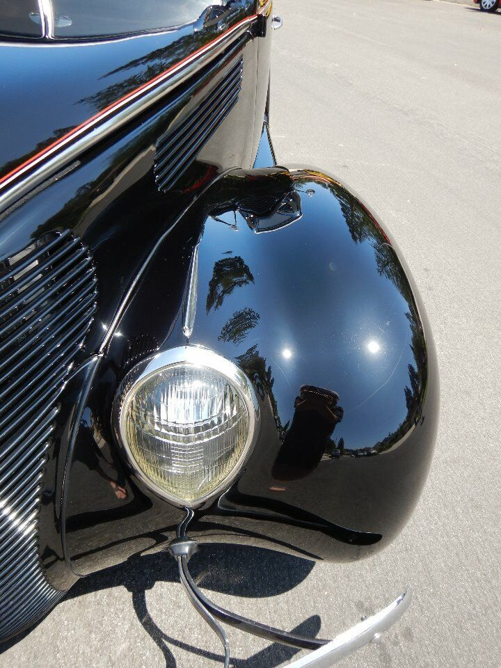 1938 Ford Cabriolet 12
