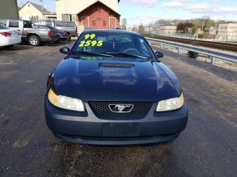 1999 Ford Mustang for sale at Discovery Auto Sales in New Lenox IL
