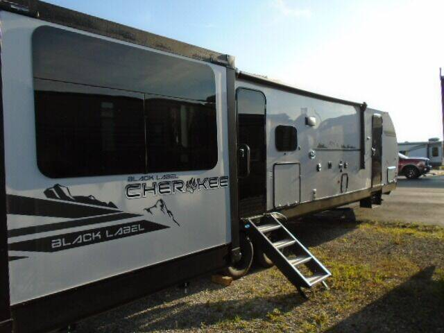 2021 Cherokee 306MM Black Label for sale at Lee RV Center in Monticello KY
