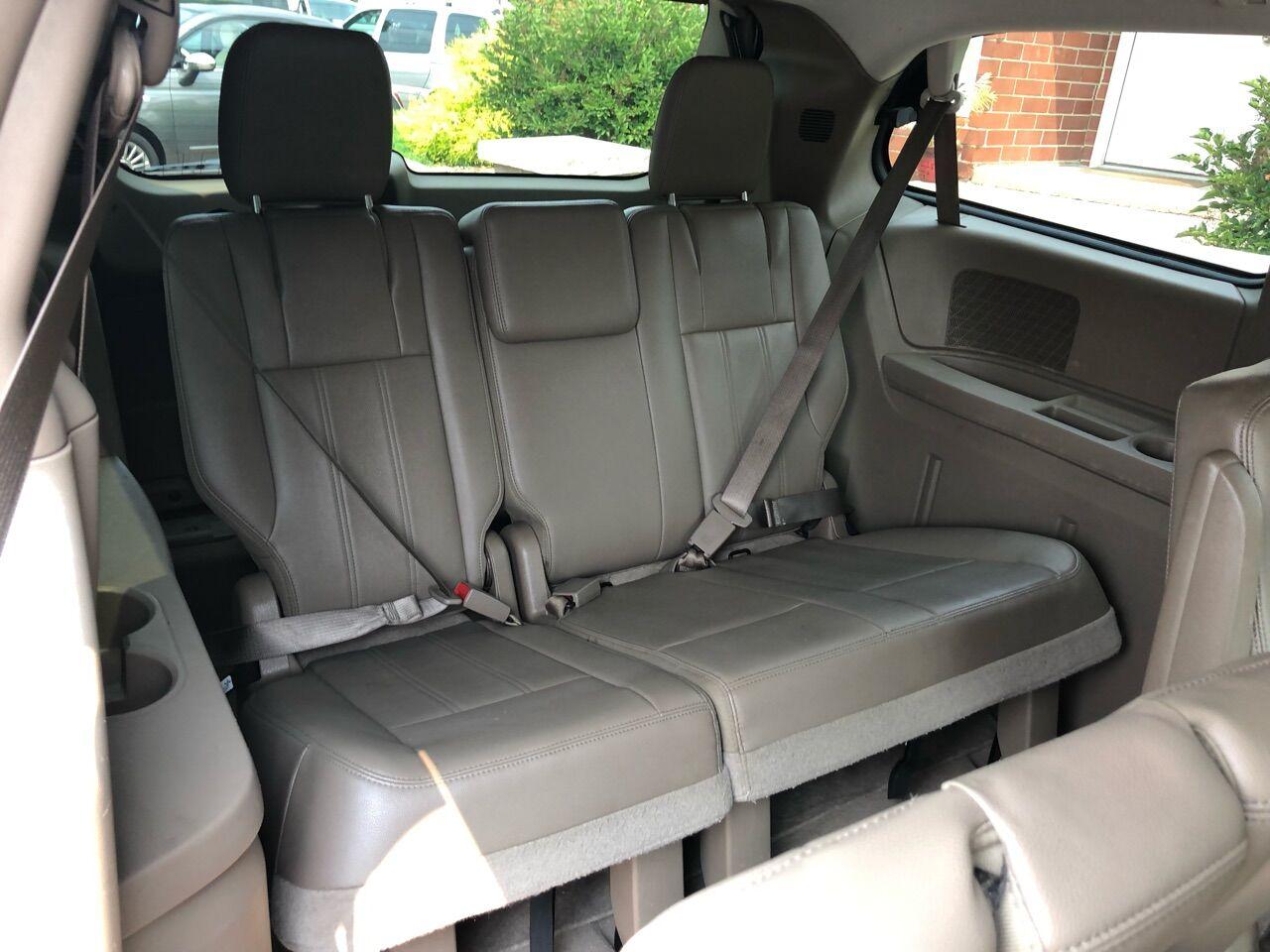 2014 Chrysler Town and Country Mini-van, Passenger