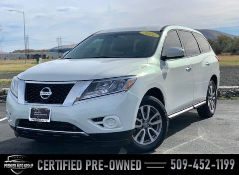 2014 Nissan Pathfinder for sale at Premier Auto Group in Union Gap WA