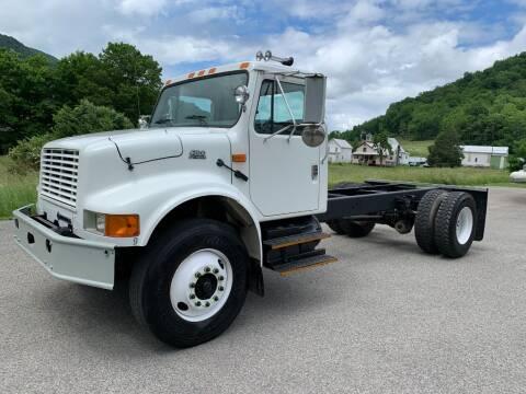 2002 International 4700 for sale at Henderson Truck & Equipment Inc. in Harman WV