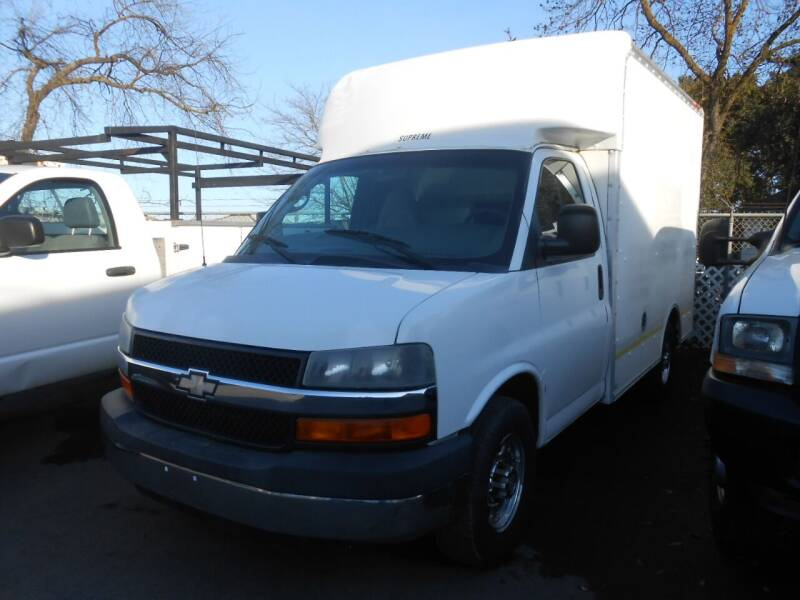 2004 Chevrolet Express Cutaway for sale at Armstrong Truck Center in Oakdale CA